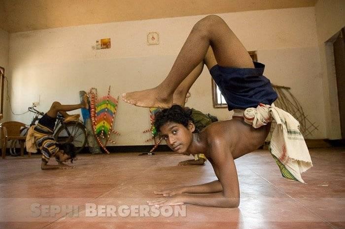 A practice performance of the junior level Gotipua dancers at Gotipua Gurukul, a part of UNDP's ETP in village Raghurajpur, Orissa.