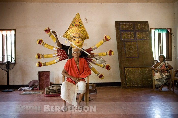 Guruji Maguni Das (99) winner of the Padmashree award 2004 is the Gotipua Gurukul's Orissi dance Guru.